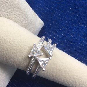 Jewelry - NWT 925 Stamped Size 8 Triangle Trio White Topaz